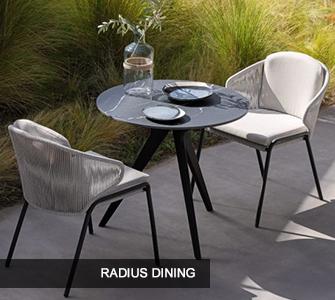 Manutti Radius Dining